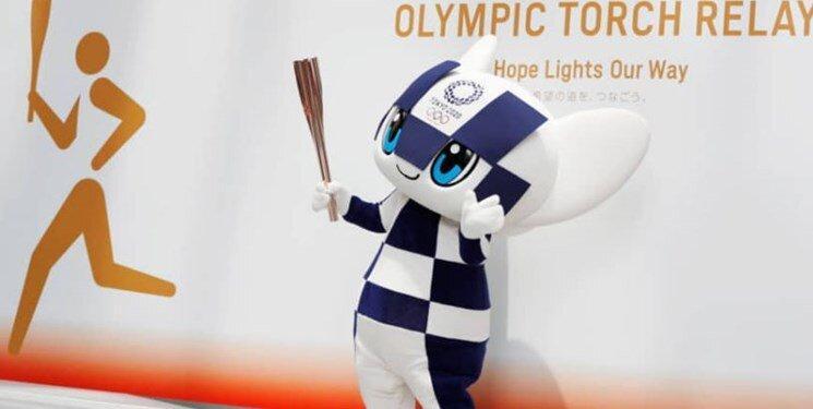 پدر یک قربانی سونامی ژاپن مشعل المپیک را حمل می کند