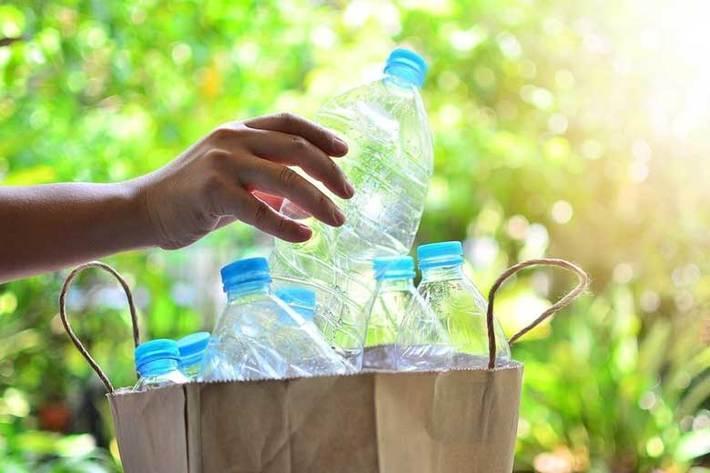 این وسایل جذاب را با بطری آب بسازید
