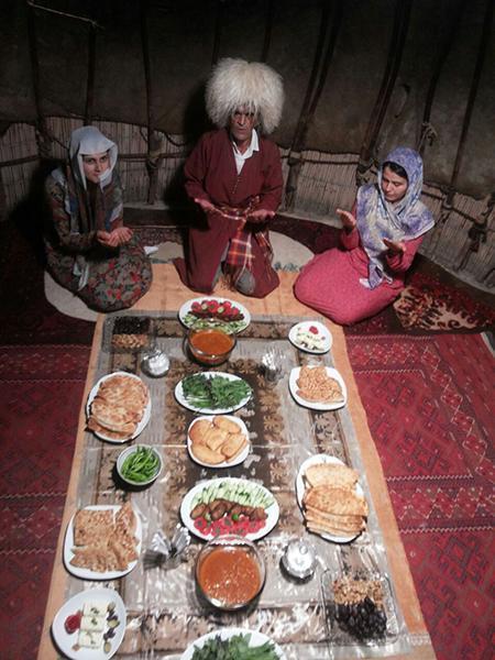 آیین و رسوم ترکمن ها در ماه رمضان؛ از پخت چافاتی تا بافت نمازلیق