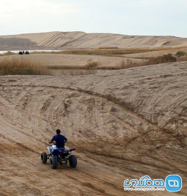 کویر بهاباد میزبان علاقمندان به مسیریابی گردشگری می گردد