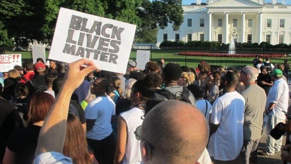 اعتراضات ضد نژادپرستی به کاخ سفید رسید