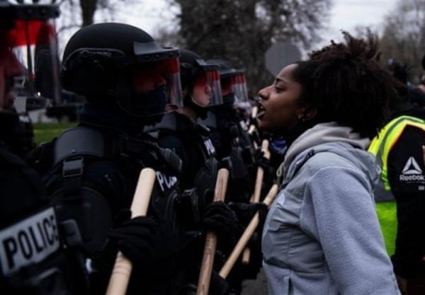 افزایش تنش ها در آمریکا در پی تیراندازی های پلیس به رنگین پوستان